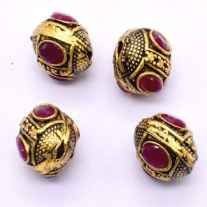 Victorian Beads - Oval With Pink Stone