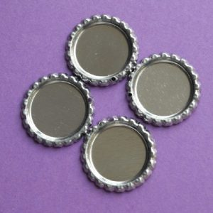Flattened Metal Bottle Caps With Hole