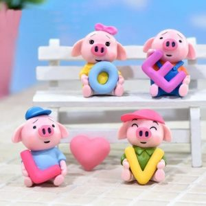 Miniature Cute Pig Love Set